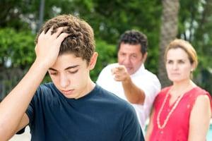 como-dirigirte-adolescente-frases-negativas