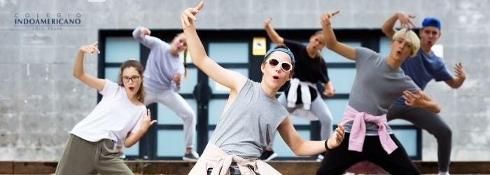 Indo-actividad-física-adolescentes